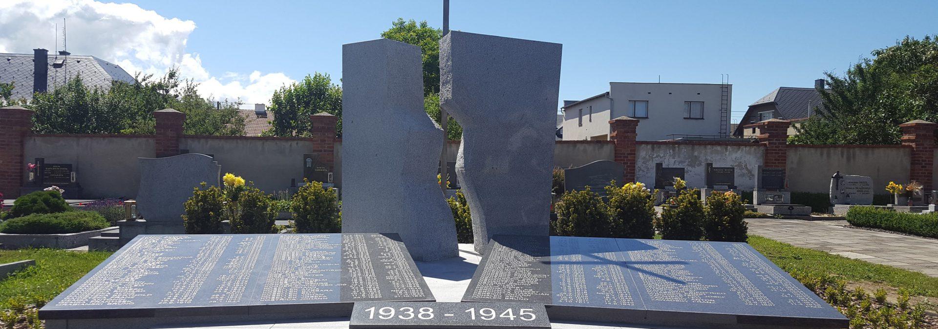 Památník - Dolní Benešov
