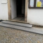 Žulové schody - kostel Libina, boční vstup
