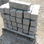 Žulové hraniční kameny - mezníky s dírou pro značku