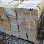Pískovcové kopáky 20 x 20 x 40, vrch a spodek řezaný