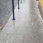 Žulová hrubozrnná šedá dlažba - Mohelnice