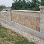 Rekonstrukce hřbitovní zdi.